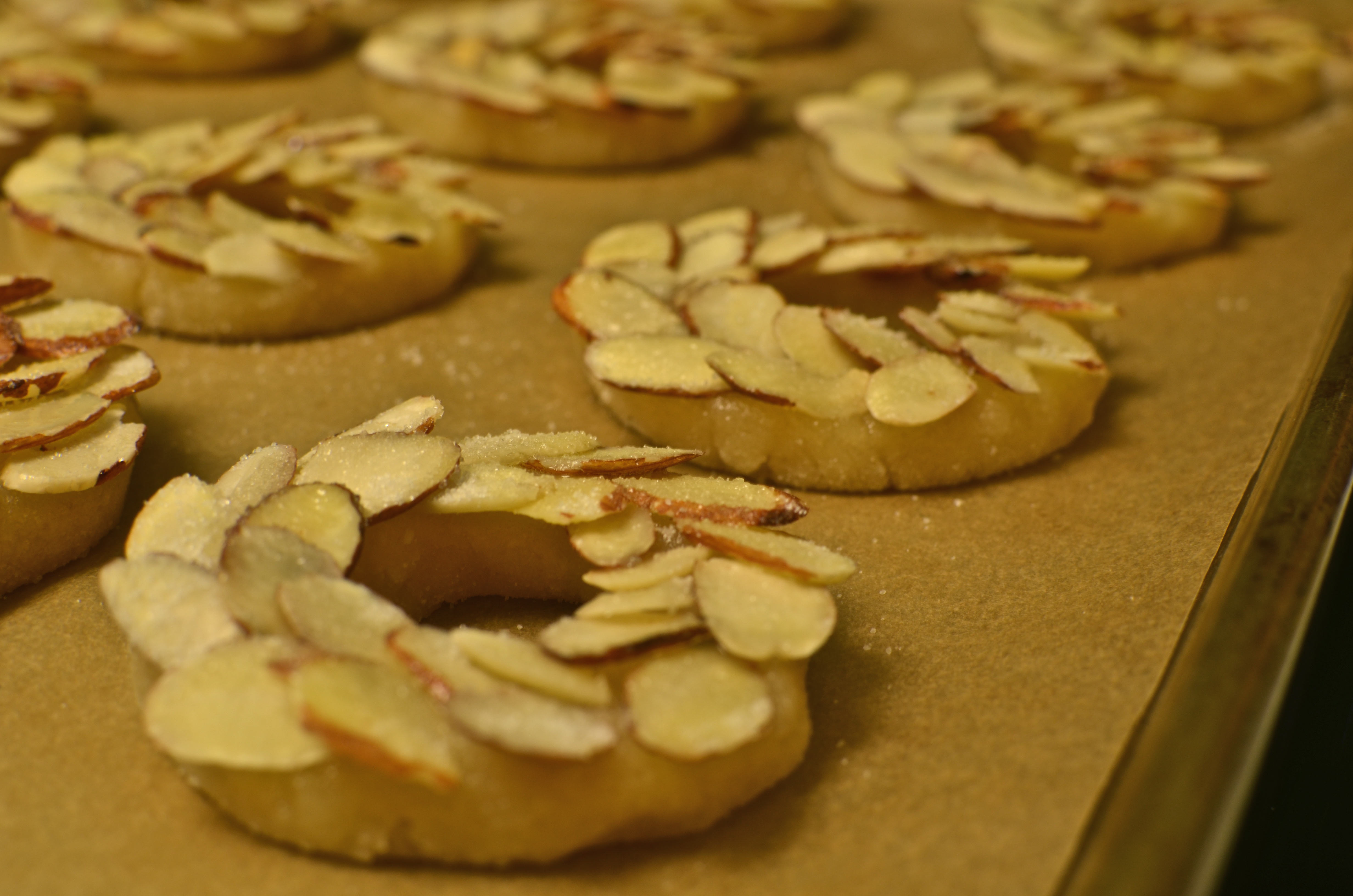 Almond Cookies, Almond Wreath Cookies