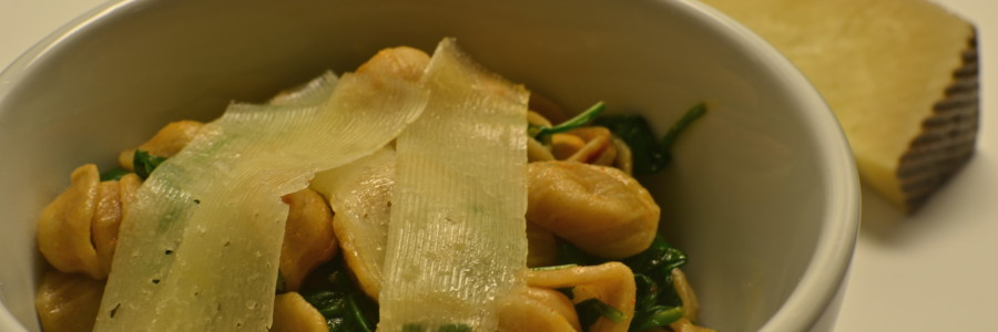 Orecchiette with Spinach, Chickpeas, and Pimentón