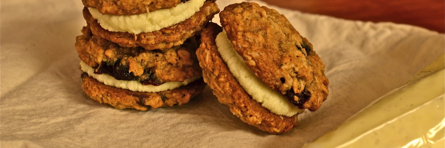 Blueberry Oatmeal Cream Pies with White Chocolate Mascarpone Filling